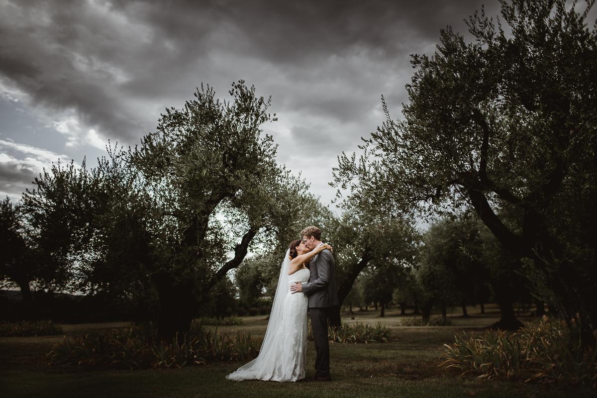Matrimonio sotto la pioggia idee consigli e foto for Sotto la pioggia ombrelli