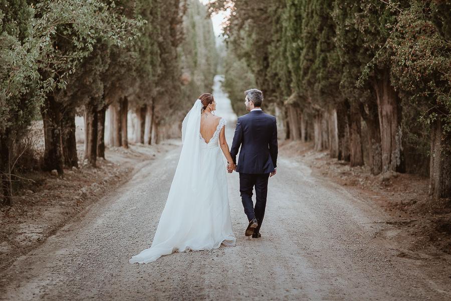 Matrimonio Val d'Orcia - cipressi Abbazia di Spineto
