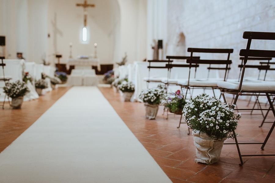 allestimento floreale chiesa Santissima Trinità Sarteano