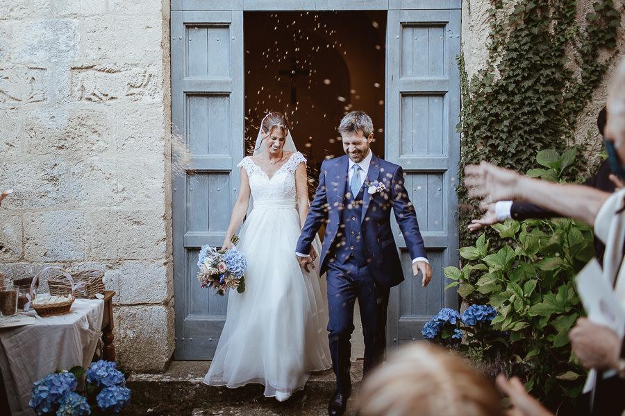 cerimonia matrimonio Val d'Orcia - lancio del riso