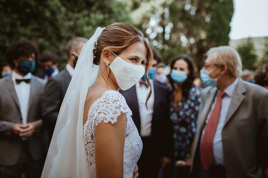 matrimonio sposa con mascherina