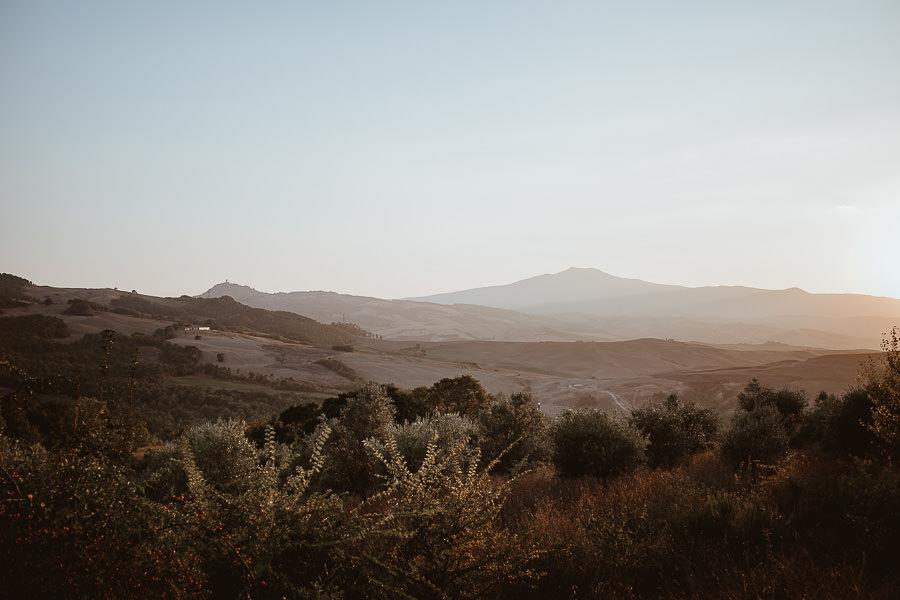 Val d'Orcia veduta monte Amiata al tramonto